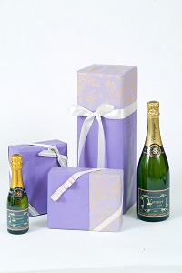 personalised-champagne-with-gift-wrapping