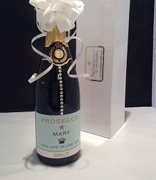 Personalised_Champagne_Gift_with_crystal_Gems