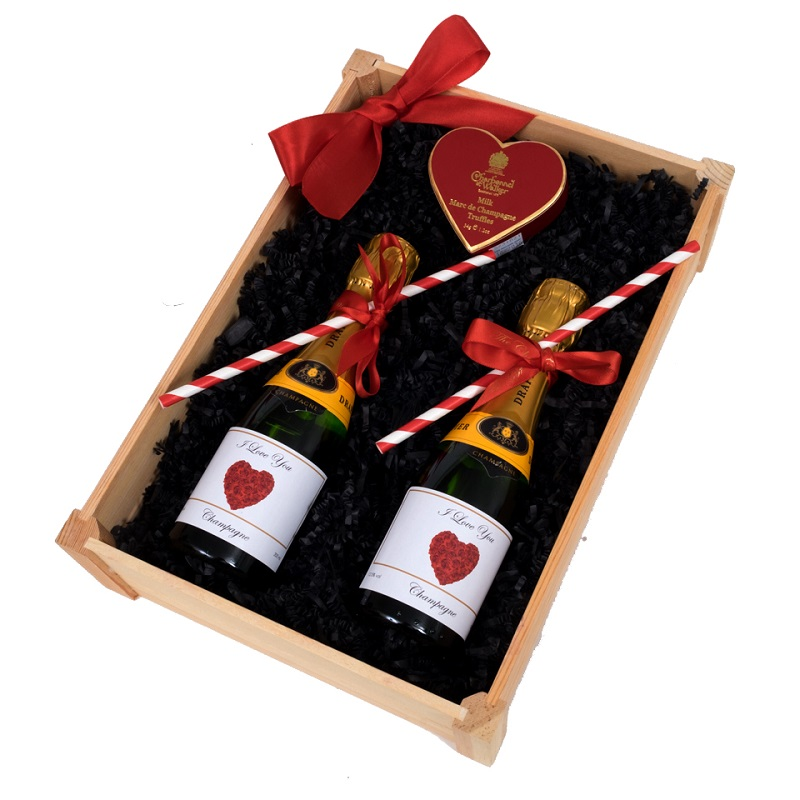 """""""L'Amoré""""  -  Mini Personalised Champagne Hamper - With Heart..."""