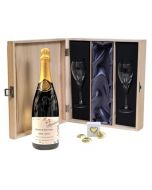 personalised-champagne-and-flute-gift-set-with-chocoalte-hearts