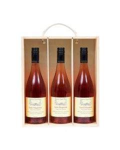 trio-of-personalised-rosé-wine-in-wooden-box