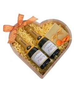 Luxury-mini-personalised-champagne-heart-hamper