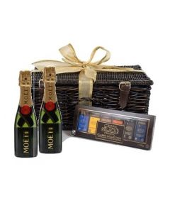 austin-miniature=moet-champagne-and-chocolate-hamper