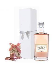 Cuvee-Elle-&-Lui-Rosé-wine-gift-box-with-rose-chocolates