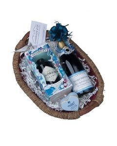personalised-prosecco-and-gin-hamper