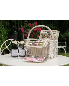 "The ""Hyde Park"" Picnic Hamper - with 2 Bottles Personalised Prosecco"