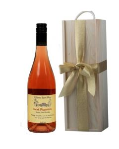 personalised-red-wine-in-classic-wooden-presentation-box