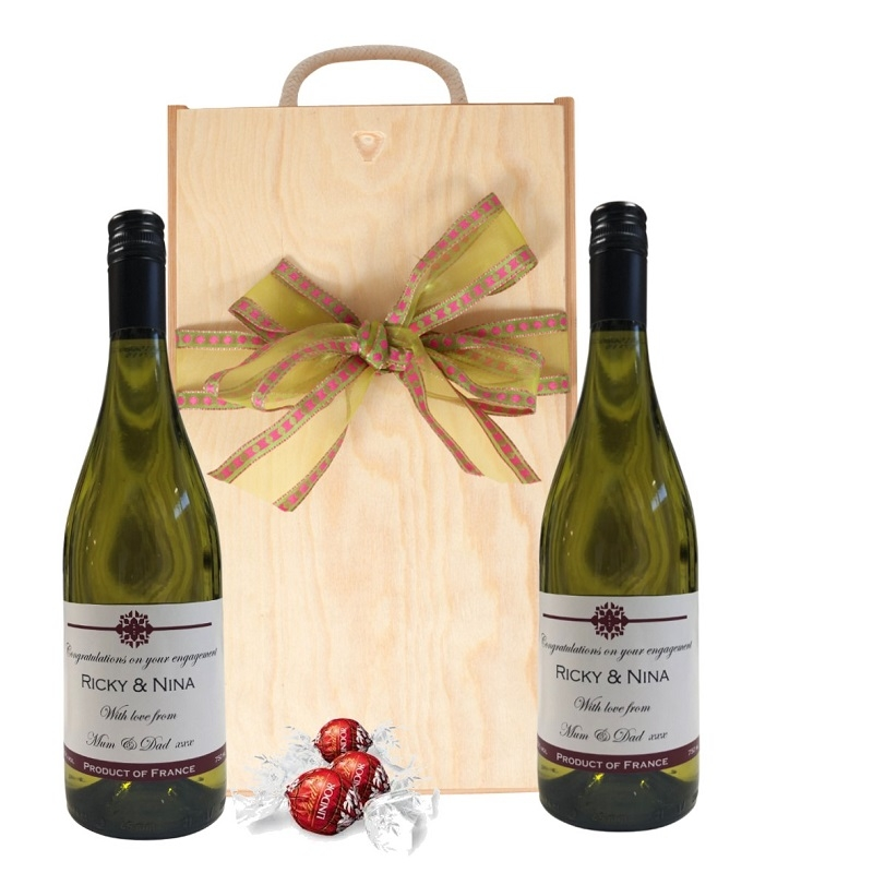 Duo Of Personalised White Wine In Wooden Gift Box - Languedoc,...