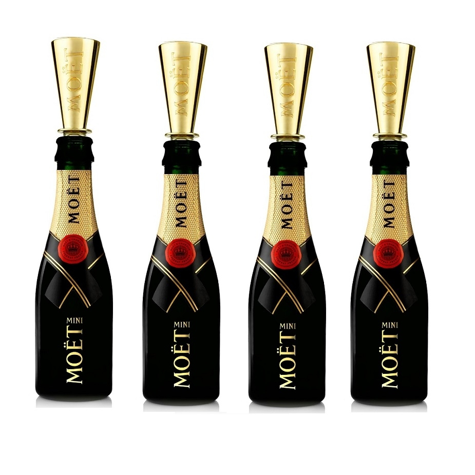 4 X Miniature Moet & Chandon Champagne - With Moet Branded Sippers...