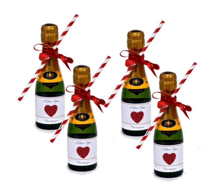 4-miniature-prosecco-personalisedd-for-valentines-day