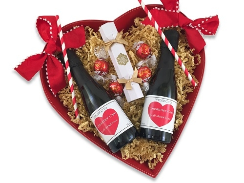 valentine-heart-gift-personalised-mini-champagne-and-chocolates
