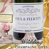 WEDDING-CHAMPAGNE-GIFT-SETS
