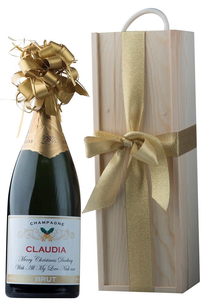 custommised-Champagne-in-wooden-presentation-box