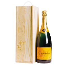 fsc-wooden-champagne-box-and-bottle