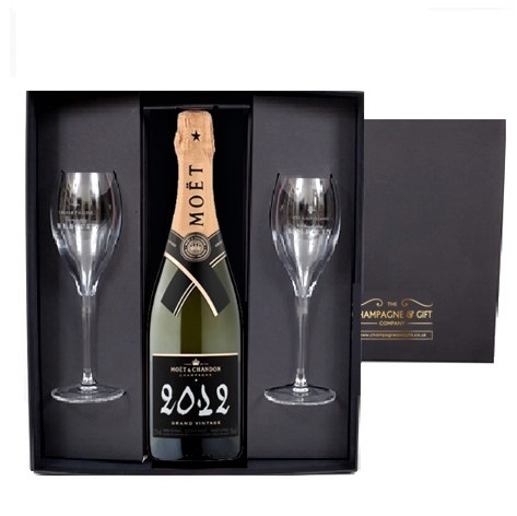 vintage moet et chandon 2012 with flutes gift set