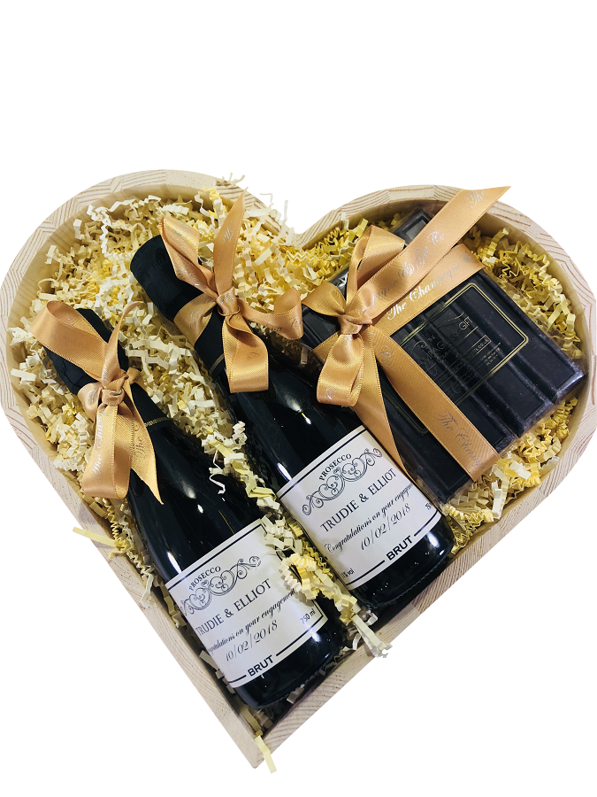 miniature-personalised-prosecco-heart-hamper-with chocolates