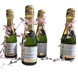 miniature-champagne-wedding-favours