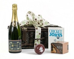 Champagne-cricket-lovers-hamper