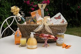 Butterflies-and-bees-champagne-hamper