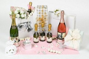 personalised-Wedding-Champagne-gifts