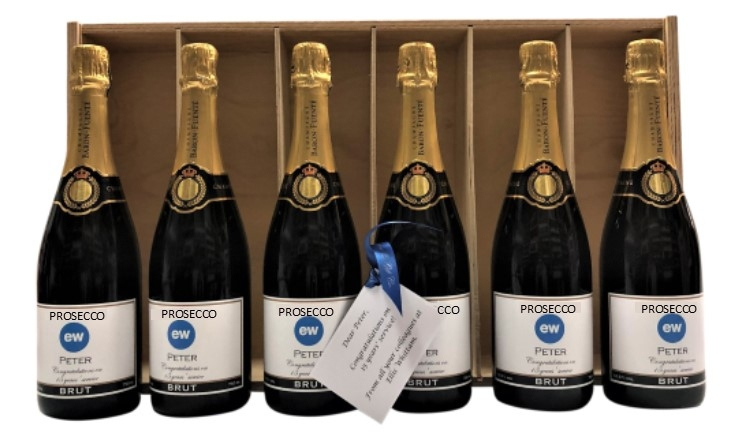 6-Branded-Prosecco-Bottles-in-wooden-presentation-box