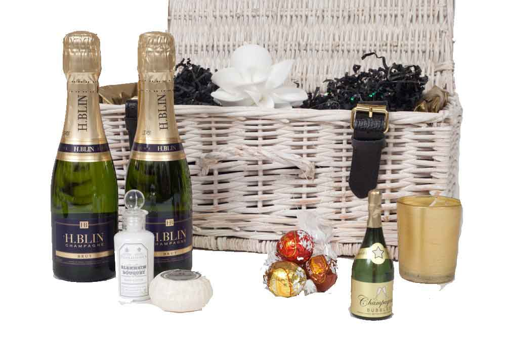 personalised-Christmas-Champagne-Hamper