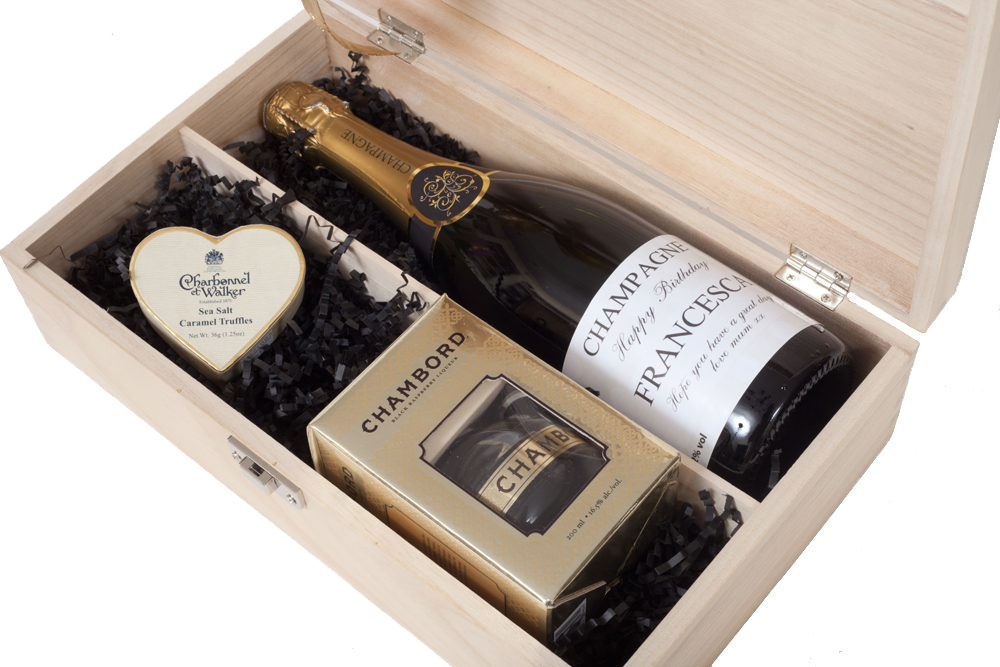 Personalised_Champagne_and_Cholcoate_Gift_Set