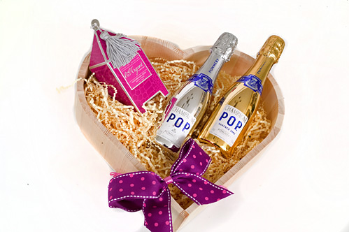 Mini-personalised-champagne-heart-hamper