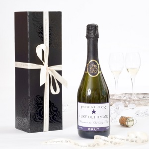 personalised-prosecco-in-black-giftbox